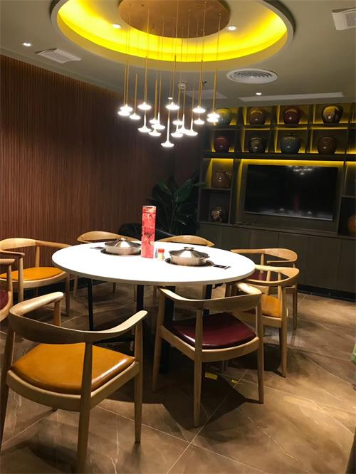 润园四季椰子鸡餐厅火锅桌椅