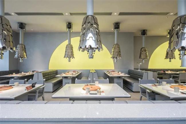 烤肉店桌子