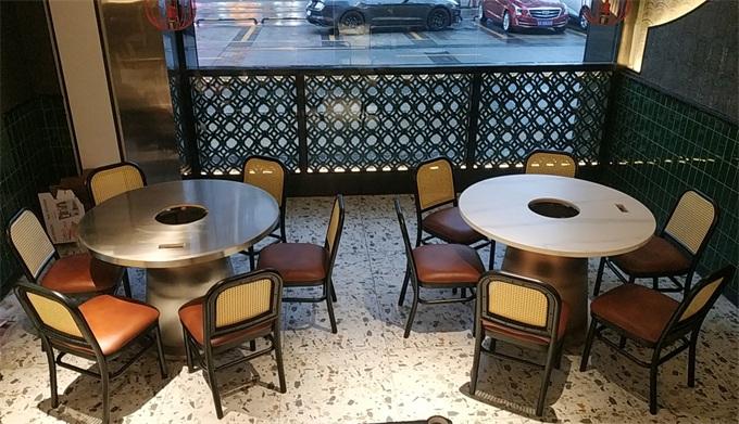 八合里牛肉火锅桌椅家具
